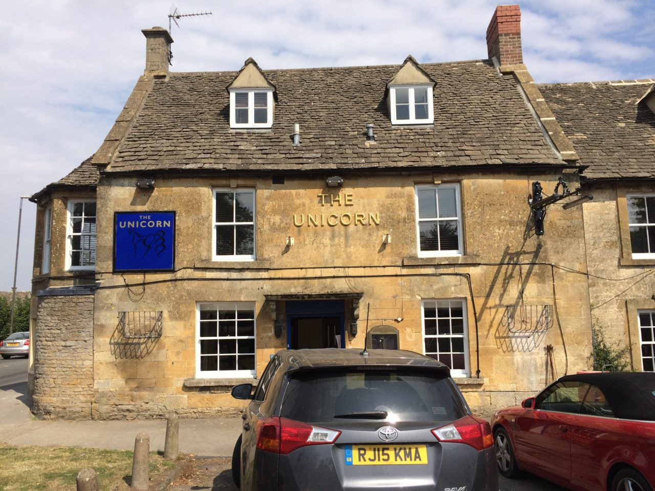 Cotswold Stone Cleaning – The Unicorn in Stow on the Wold Before Cleaning