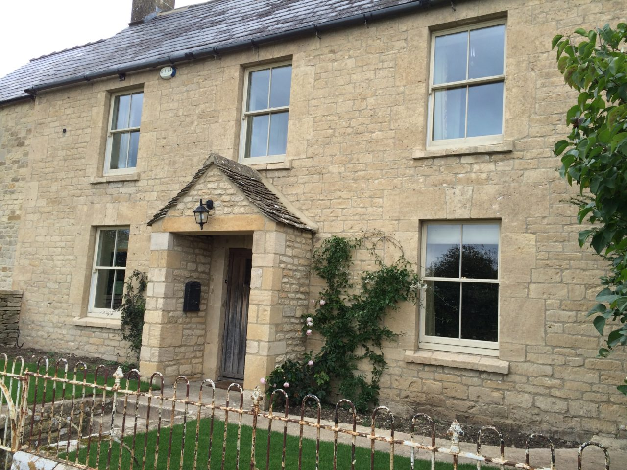 Cotswold Stone Cleaning – Winstone House, Cirencester After Cleaning